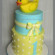 yellow duckie cake 1