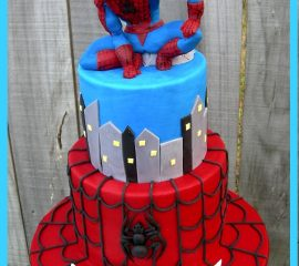Spiderman crouching Cake